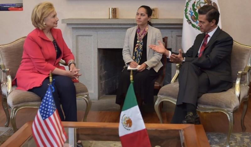 Luego de asistir al evento sobre tecnología organizado por Carlos Slim, la ex secretaria de Estado y el creador de Facebook fueron invitados a visitar la residencia oficial del presidente.