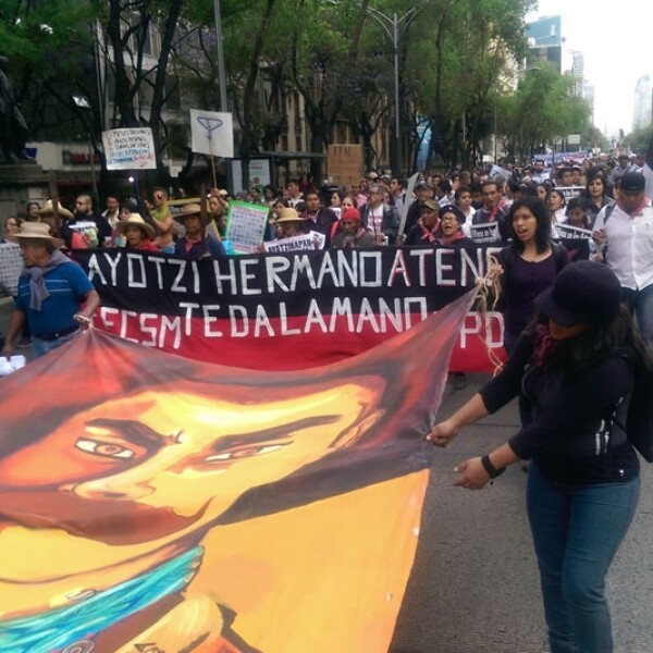 Ayotzinapa_marcha_6meses_4