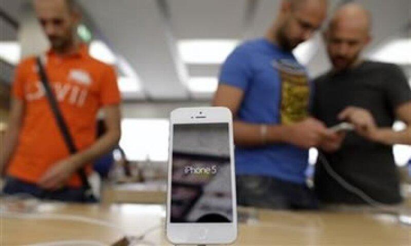 El WSJ había reportado que Apple planeaba crear un iPhone más barato.  (Foto: Reuters)