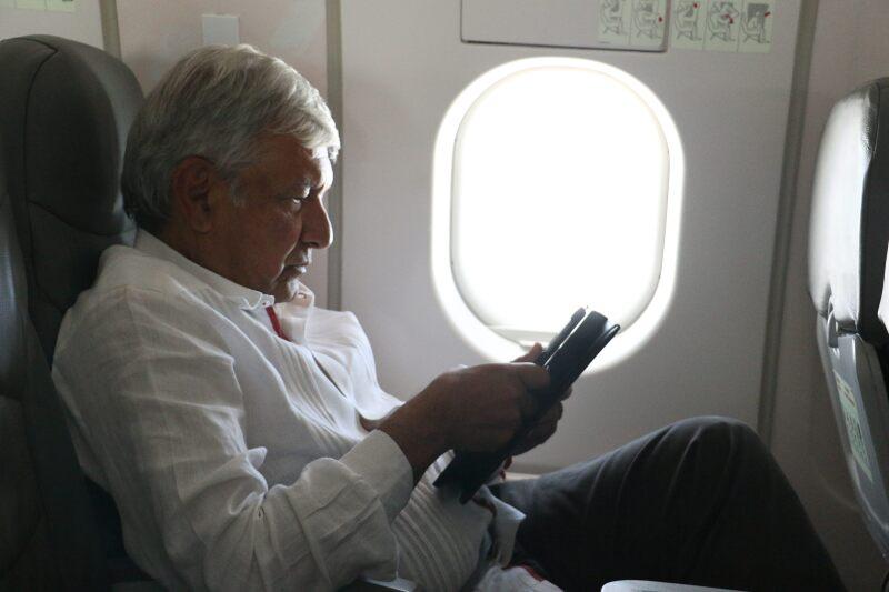 AMLO en vuelo