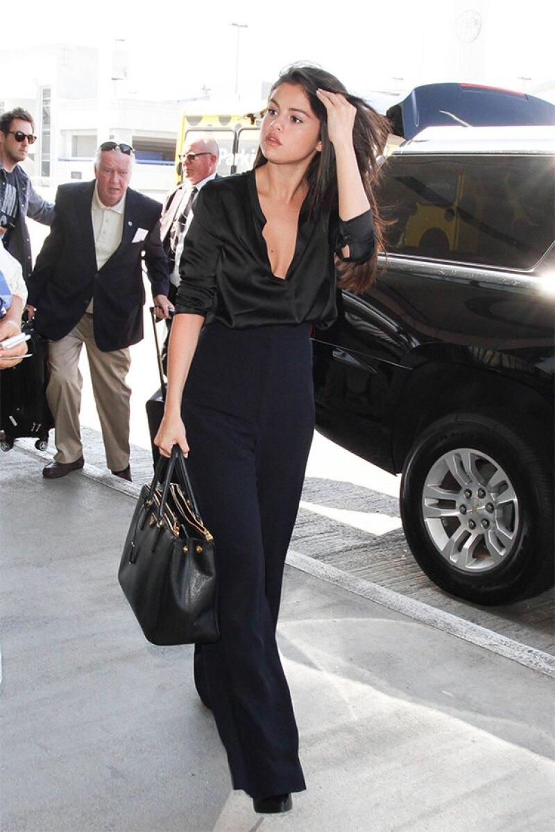 Con outfits reveladores, Selena se ha mostrado que está lista para quitarse el anillo de castidad.
