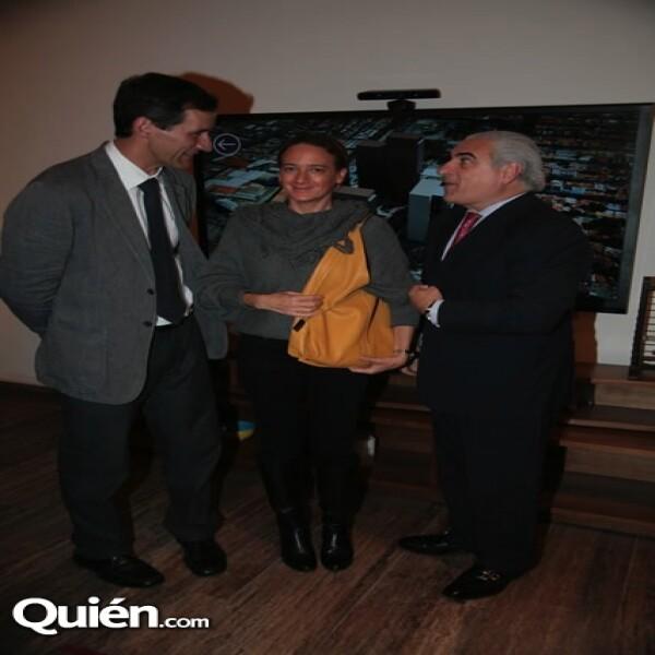 Víctor y Jacinta Legorreta con Ángel Losada
