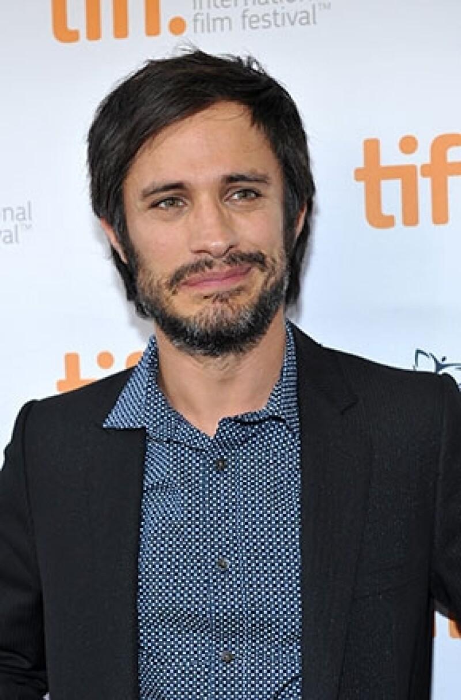 El actor mexicano aseguró que el concepto de monogamia es una herencia de la Edad Media, por lo que es muy cuestionable en la actualidad.