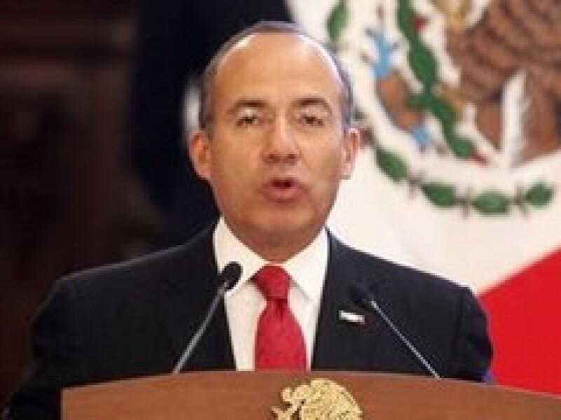 Felipe Calderón se reunirá con varios líderes mundiales durante el Foro Económico Mundial. (Foto: AP)
