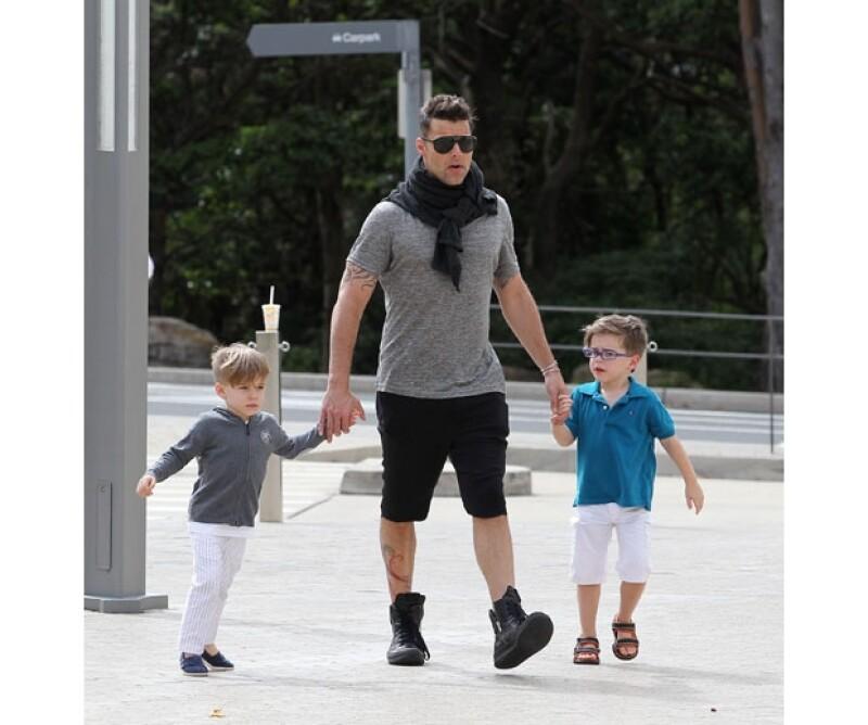 El cantante y sus hijos en una visita al zoológico en Sidney.