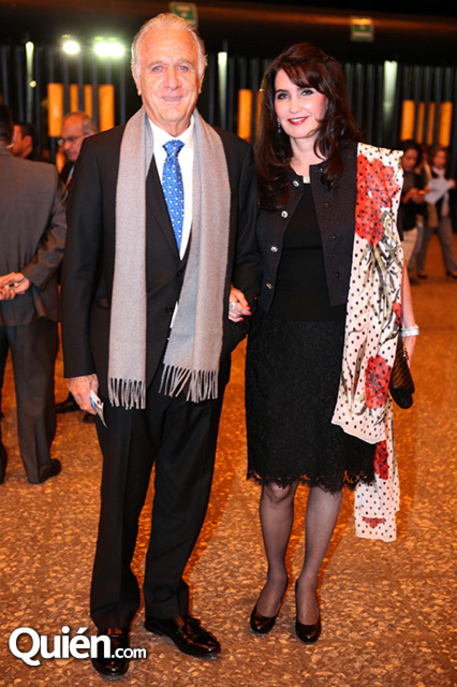 Jorge González y Leticia Martínez de González