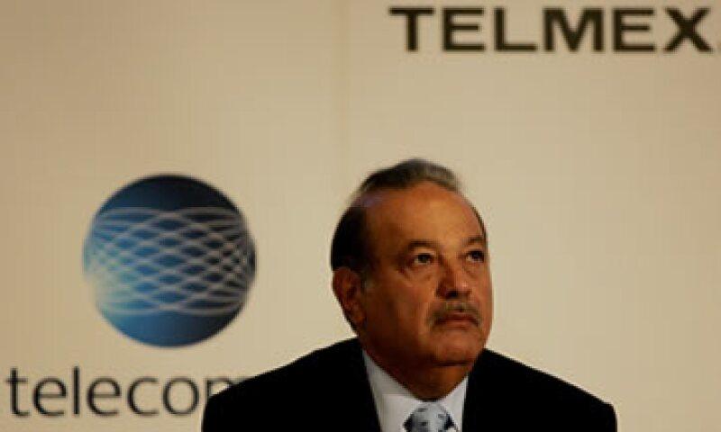 Este lunes América Móvil informó los resultados preliminares de la oferta que realizó por el 40.04% de Telmex. (Foto: AP)