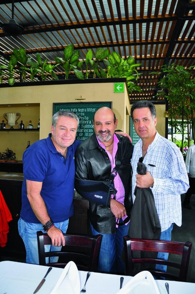 Con José Alberto Castro y Julián Slim en el restaurante Bross de Plaza Carso.