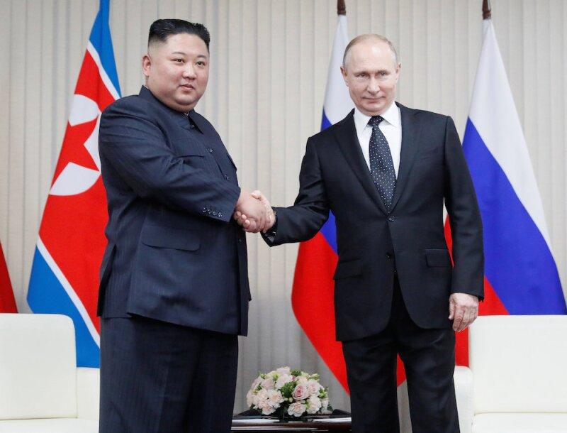 Vladimir Putin y Kim Jong Un