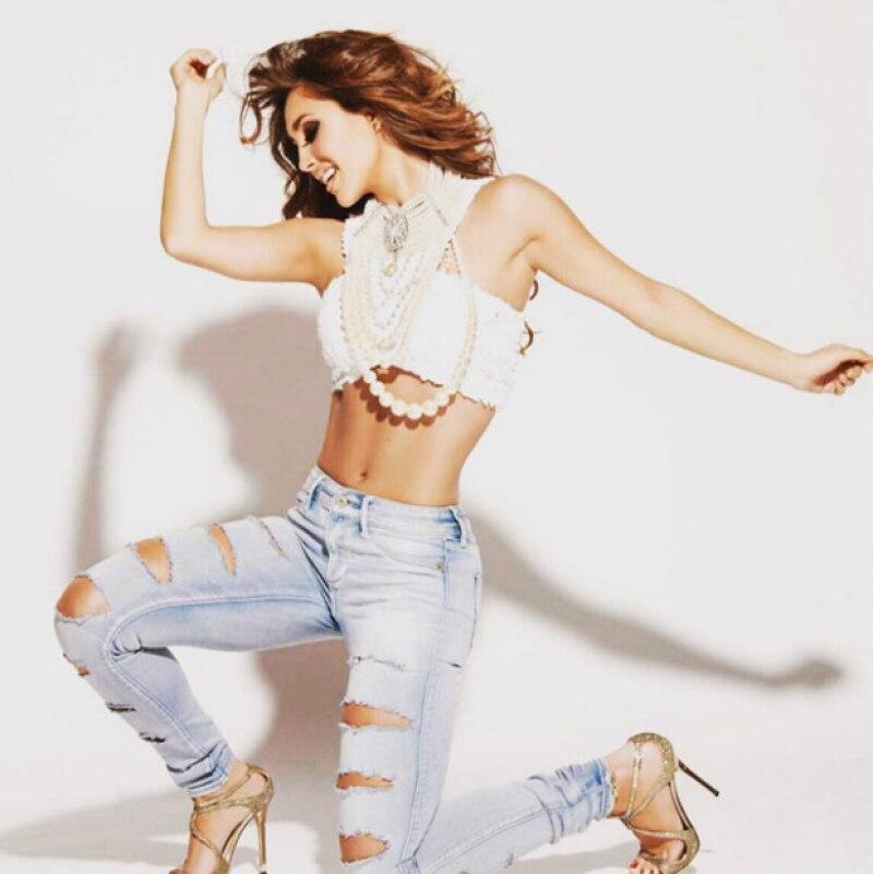 Anahí ha vuelto al mundo de la música para mostrar que se encuentra más sexy que nunca.