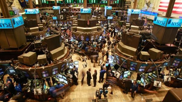 Las acciones en la Bolsa de Nueva York abrieron con una subida por el aumento en los precios del crudo.
