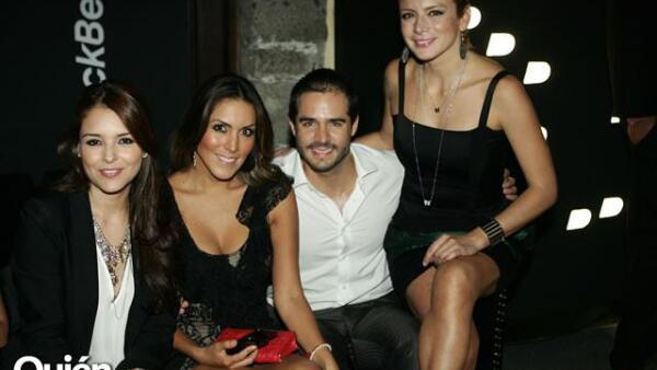 Gretel Valdes,Karla Pineda,José Ron,Silvia Navarro