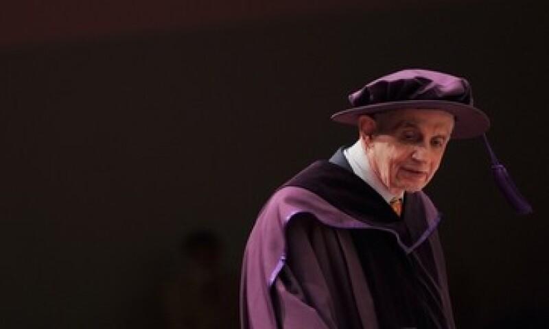 John Nash recibió el premio Nobel de Economía en 1994.  (Foto: AFP )