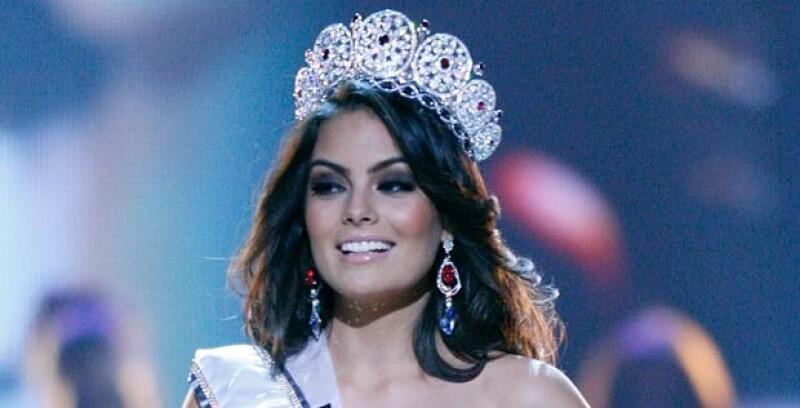 La Miss Universo 2010 está por entregar la corona este lunes 12 de septiembre por lo que recordamos algunos momentos divertidos durante su reinado.