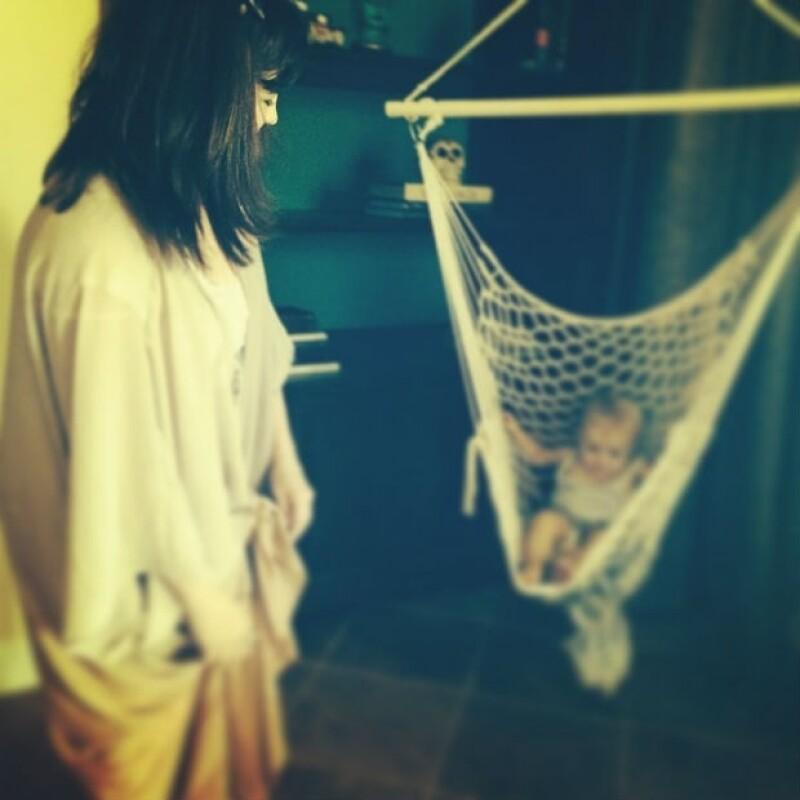 Selena Gomez es la mejor niñera para su hermanita Gracie.