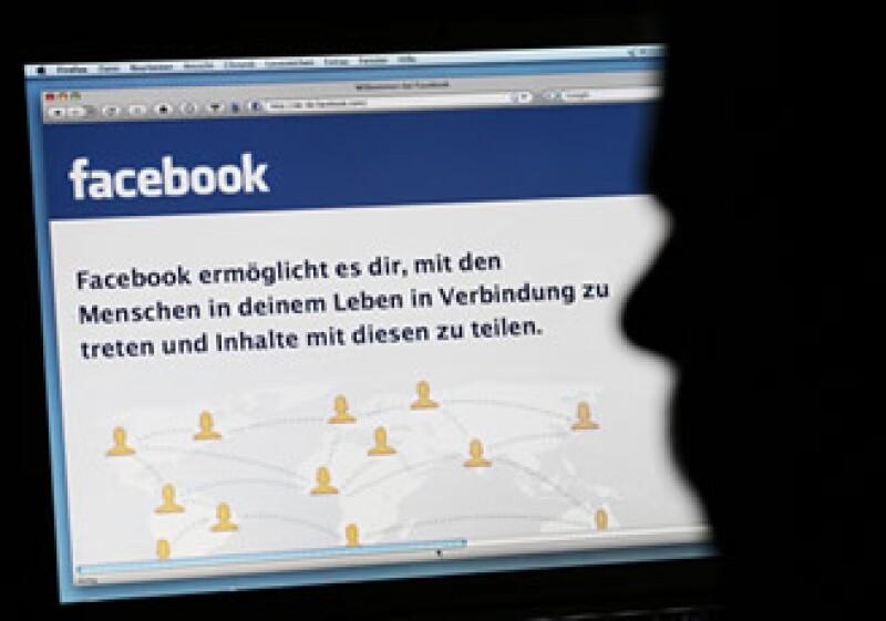 Facebook ha añadido un método para reportar cualquier tipo de abuso. (Foto: AP)