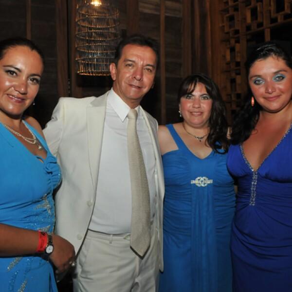 Erika Morales, Gerardo Islas, Jessica Rugarcía, Susana Daza.