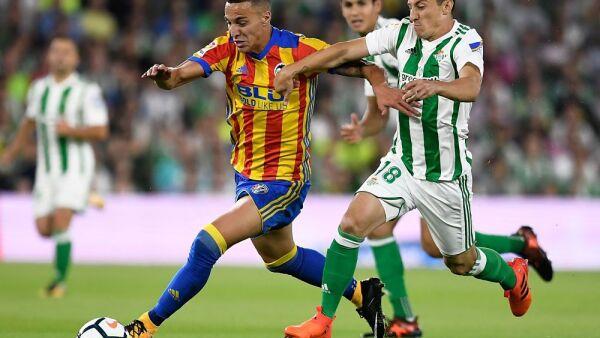 Andrés Guardado, medio del Real Betis