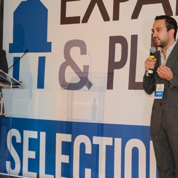 Humberto Gutiérrez y Arturo Velázquez crearon una plataforma en línea que le ayuda a personas sin conocimientos financieros a manejar su contabilidad de una manera rápida y fácil.
