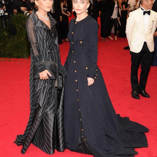 Como amantes de los diseños vintage, Mary Kate llevó un vestido Ferré y Ashley usó un Chanel para la Met Gala de 2014.