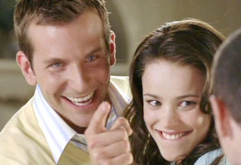 En esta cinta actúa al lado de Bradley Cooper, quien interpreta al patán de su prometido.