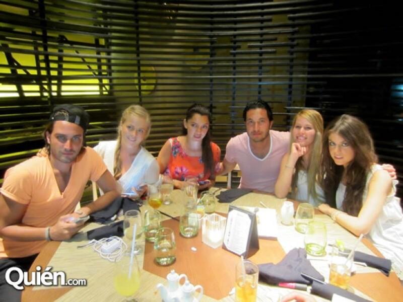 La actriz aprovechó la invitación de la nueva red social Vielite para descansar con su novio Alex Gutiérrez en el exclusivo resort Paradisus.
