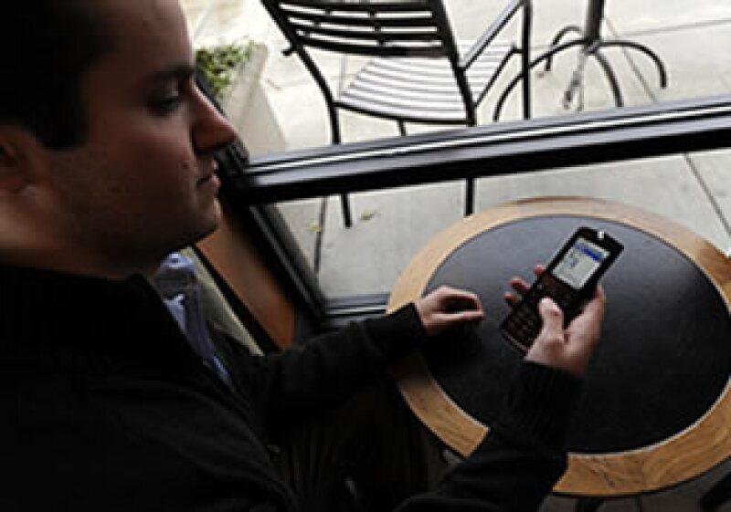 La red de contacto se centra en potenciar los servicios de telefonía móvil para sus usuarios.(Foto: AP)