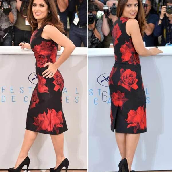 Un vestido negro con estampados de rosas en color rojo, ceñido a su cintura y con una altura por debajo de la rodilla, a juego con altísimos pumps negros, fue la combinación perfecta para lucir favorablemente su curvilíneo cuerpo.