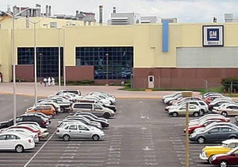 La planta de General Motors en San Luis Potosí reanudará operaciones en agosto. (Foto: Notimex)