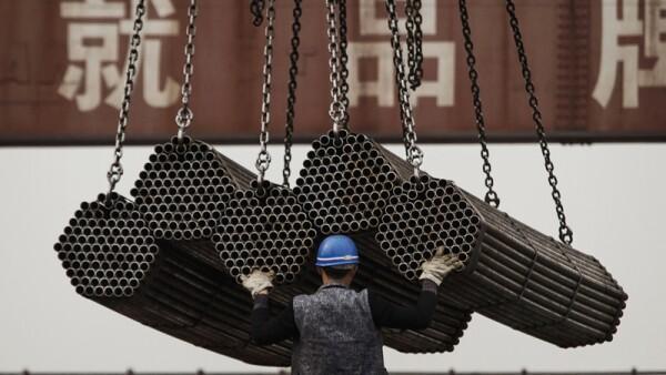 China ha sido señalada por inundar con acero barato y subsidiado el mercado global.