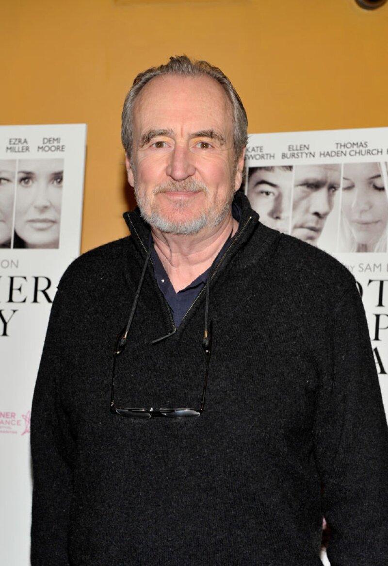 Wes Craven, el visionario cineasta que redefinió el género de terror con la saga Pesadilla en la calle del infierno y Scream, murió este domingo a los 76 años.