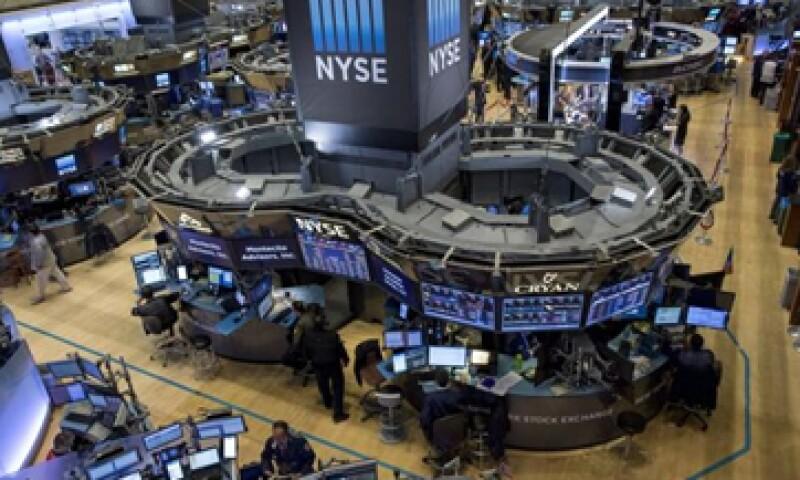 El Dow Jones bajaba 0.17% en la Bolsa de Nueva York. (Foto: Reuters)