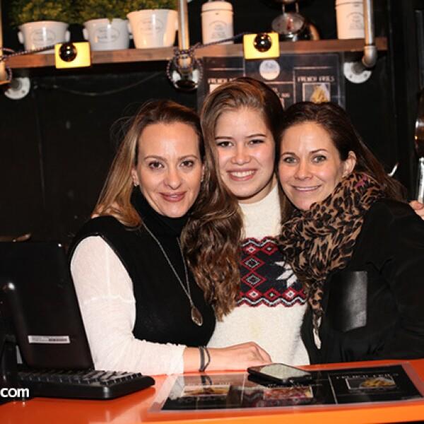 Deborah Zapan, Stephanie Entebi y Judith Lopata