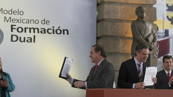 firma de convenio Modelo Mexicano de Formaci�n Dual