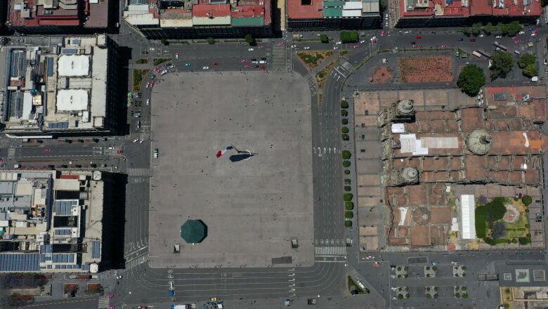 Panóramicas del primer cuadro de la Ciudad de México tras la declaración formal de la entrada en fase dos de contagio de Covid-19.