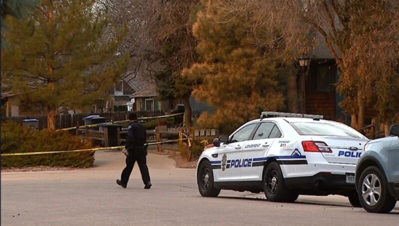 Longmont policía apuñalada mujer