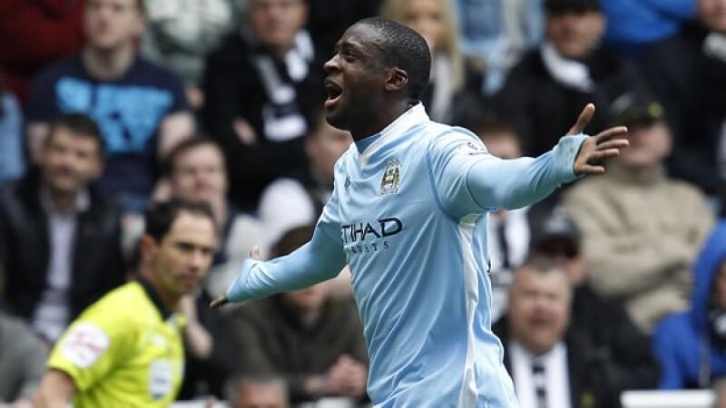 Toure Yaya celebra un gol