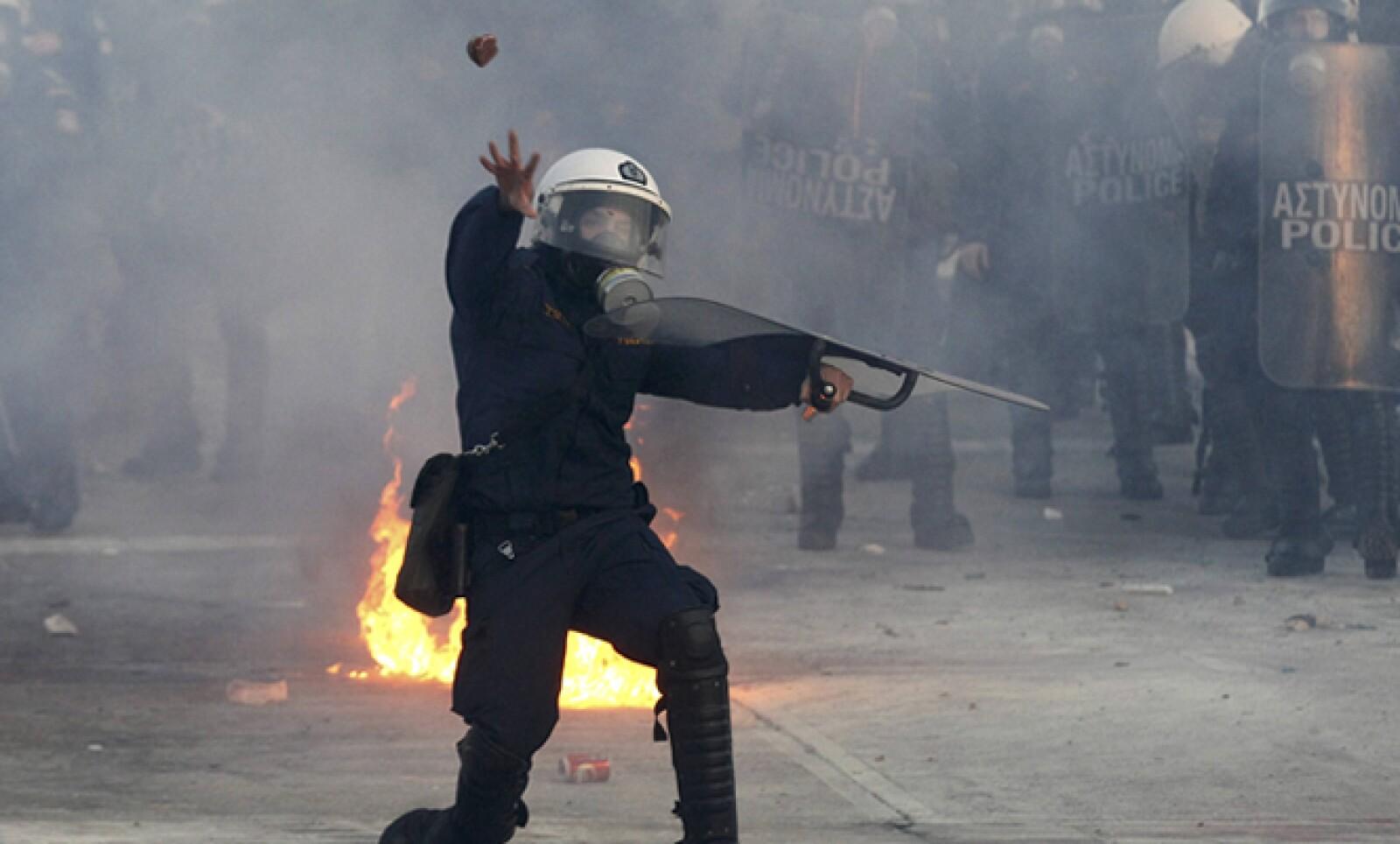 Grecia necesita los fondos del nuevo rescate antes del 20 de marzo para cumplir con pagos por 14,500 millones de euros en vencimiento de bonos.