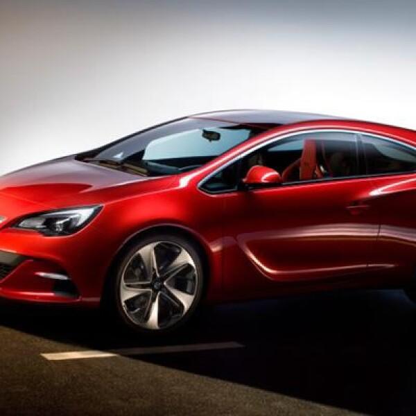 Presenta algunos cambios estéticos respecto al modelo de producción actual con cinco puertas (en el caso del GTC son sólo tres) como la fascia frontal con entradas de aire más deportivas, iluminación LED y un cuerpo más ancho en la parte trasera.