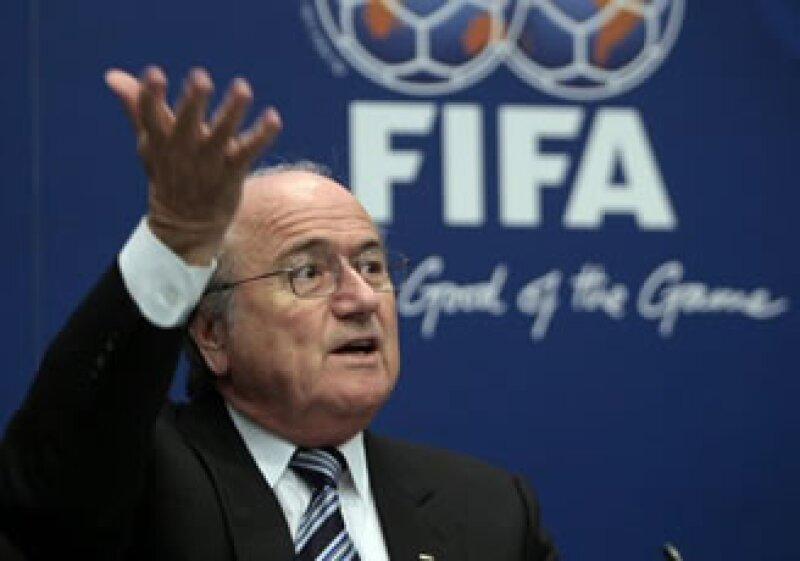Blatter debe presentarse a una audiencia el domingo, dijo la FIFA. (Foto: AP)
