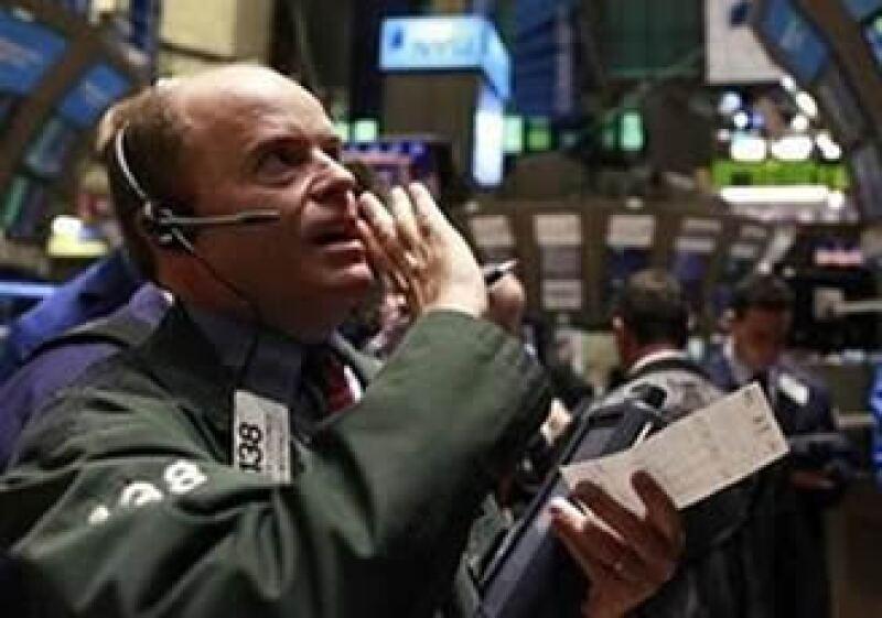 Los inversionistas dan por descontado que la Fed anunciará un nuevo plan de ayuda económica la semana entrante. (Foto: Reuters)
