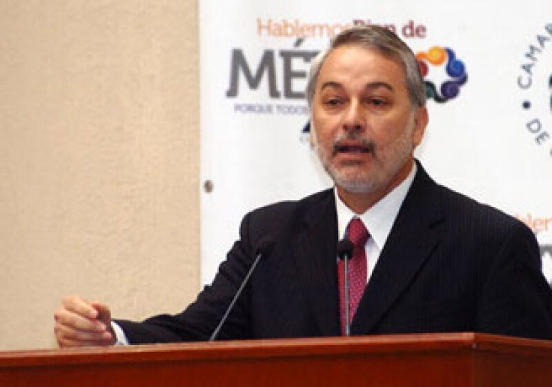 El Gobernador de Jalisco, Emilio González Márquez, propuso a la Canaco Guadalajara crear el Consejo de Colaboración Estatal para ejecutar proyectos de infraestructura. (Foto: Cortesía Gobierno de Jalisco / Horacio Aguilar)