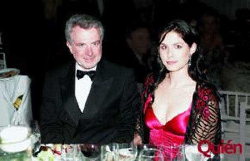 Según la columnista del periódico Reforma, la pareja se encuentra esperando a su primer hijo.