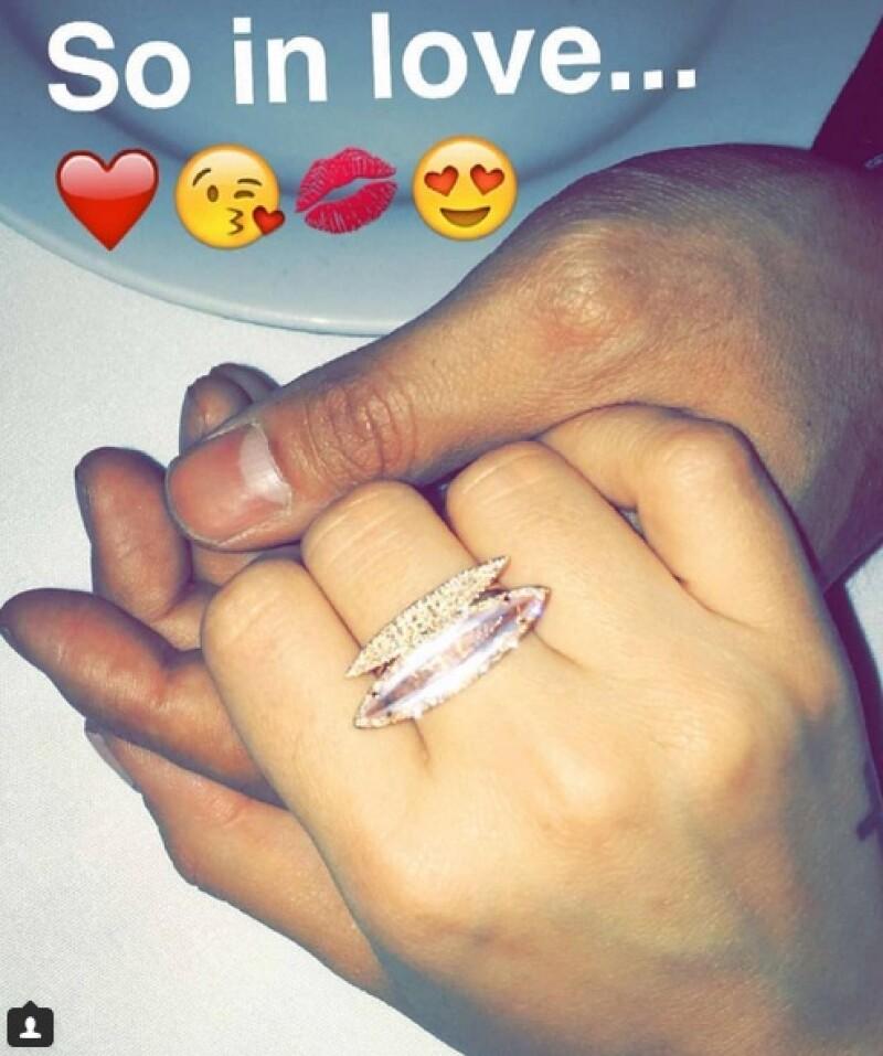 ¿Campanas de boda pronto? Al parecer sí, pues este fue el regalo que Wilmer le dio a Demi por San Valentín.