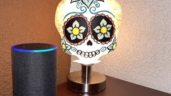 Amazon lanzó su asistente digital en el país junto con su servicio de streaming musical.