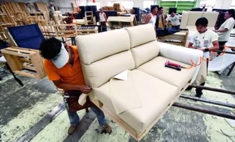 Dar variedad y diseño a bajo precio como lo hace Ingenia Muebles es un camino para que el sector mueblero en México se reponga. (Foto: Adán Gutiérrez)