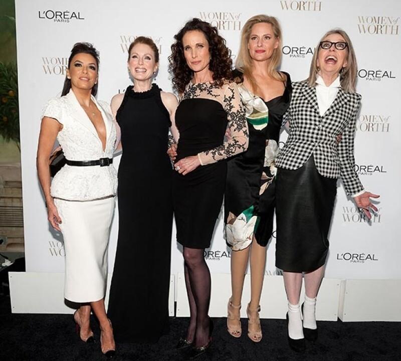 Eva Longoria, Julianne Moore, Andie MacDowell, Aimee Mullins y Diane Keaton en la premiación.