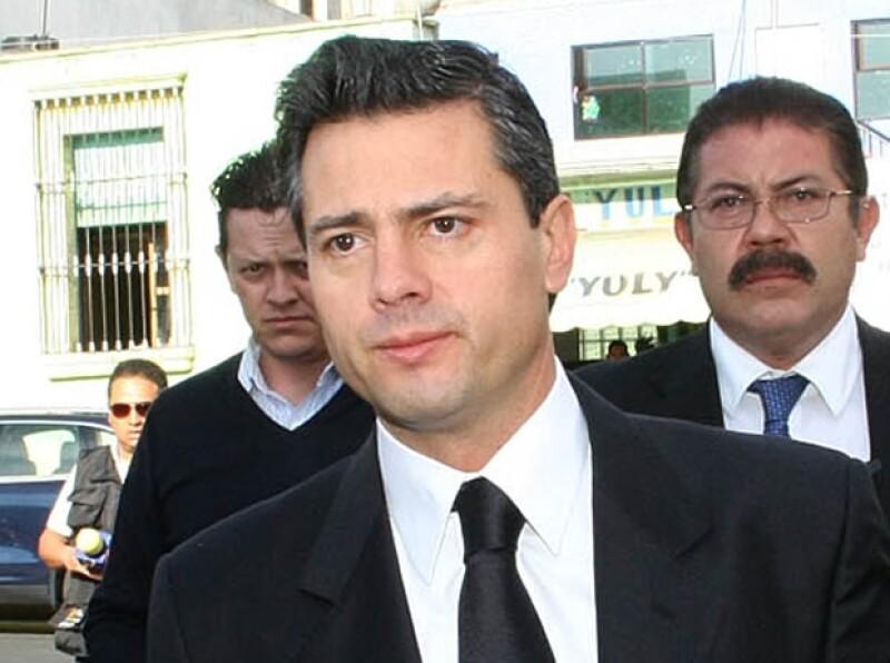 El precandidato presidencial confesó en una entrevista con Katia d´Artigues que en dos ocasiones le fue infiel a su fallecida esposa Mónica Pretelini.