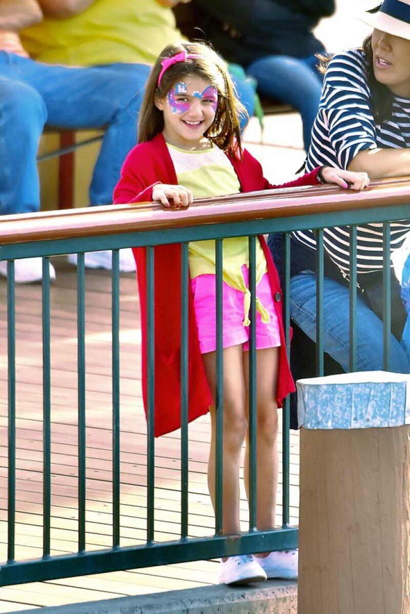 Suri Cruise eligió un maquillaje de unicornio para pasar su día en Disney.
