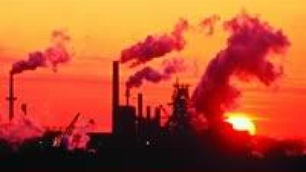 Los pasivos ambientales no se limitan a lo que ocurre dentro de los l�mites de una empresa, sino a los da�os que pueda causar en las comunidades aleda�as.